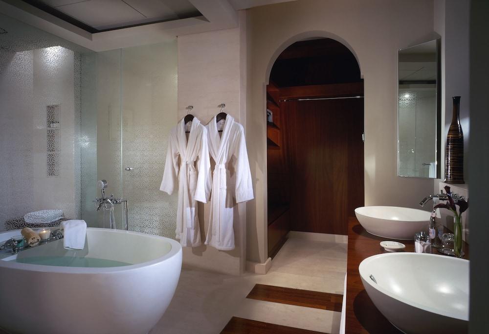 파크 하얏트 두바이(Park Hyatt Dubai) Hotel Image 19 - Bathroom
