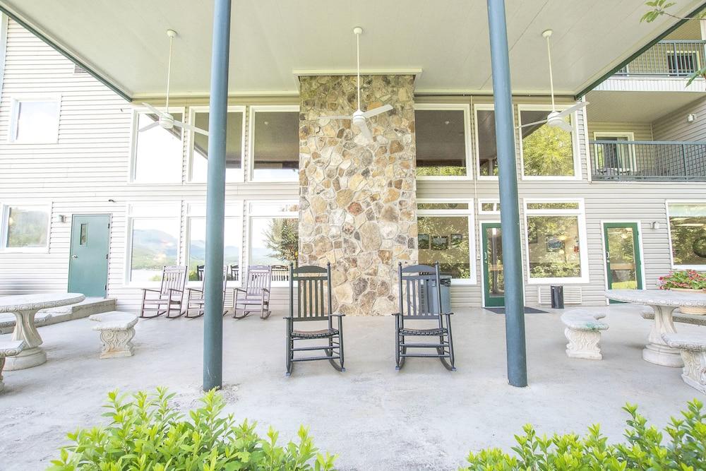 라마다 히아와시(Lake Chatuge Lodge) Hotel Image 39 - Porch