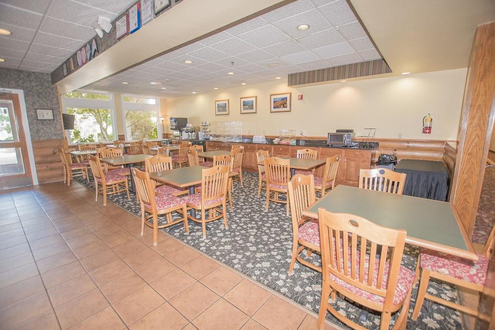 라마다 히아와시(Lake Chatuge Lodge) Hotel Image 29 - Breakfast Area