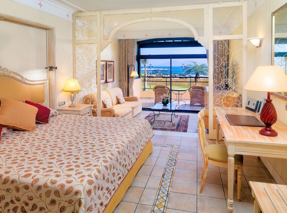 그란 호텔 아틀란티스 바이아 레알 G.L.(Gran Hotel Atlantis Bahia Real G.L.) Hotel Image 39 - Guestroom