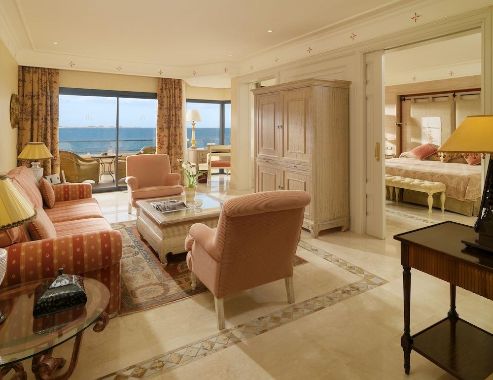 그란 호텔 아틀란티스 바이아 레알 G.L.(Gran Hotel Atlantis Bahia Real G.L.) Hotel Image 25 - Living Room