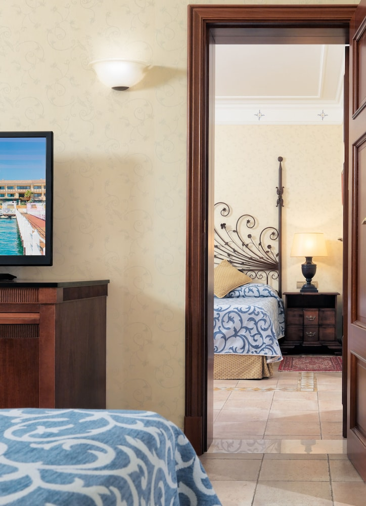 그란 호텔 아틀란티스 바이아 레알 G.L.(Gran Hotel Atlantis Bahia Real G.L.) Hotel Image 38 - Guestroom