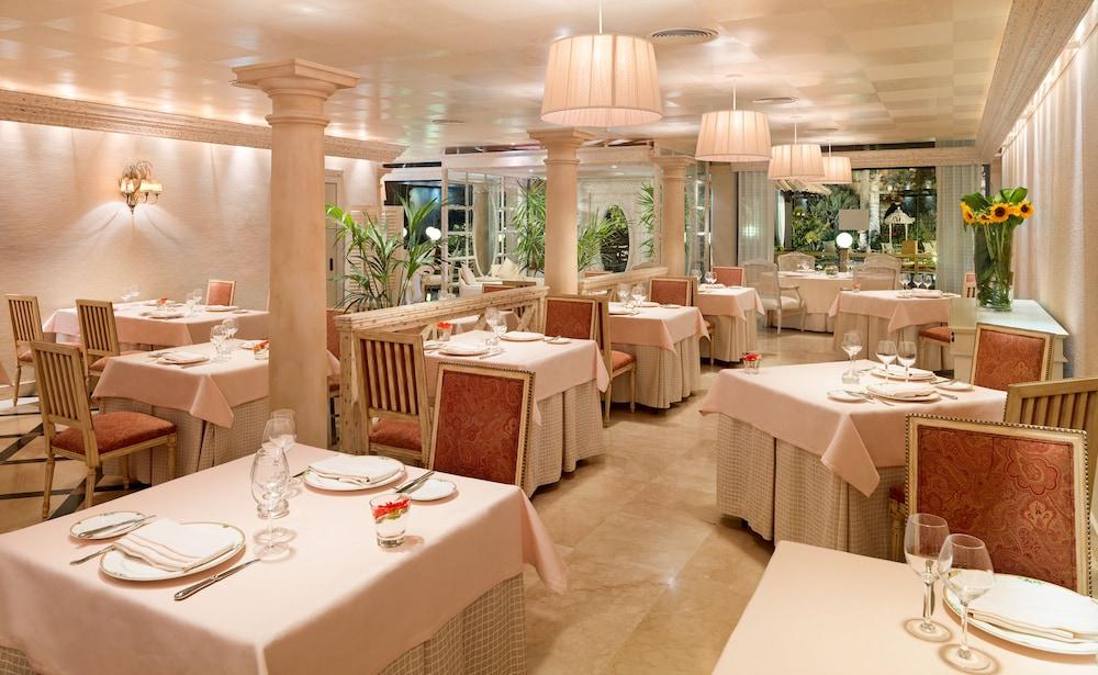 그란 호텔 아틀란티스 바이아 레알 G.L.(Gran Hotel Atlantis Bahia Real G.L.) Hotel Image 81 - Dining