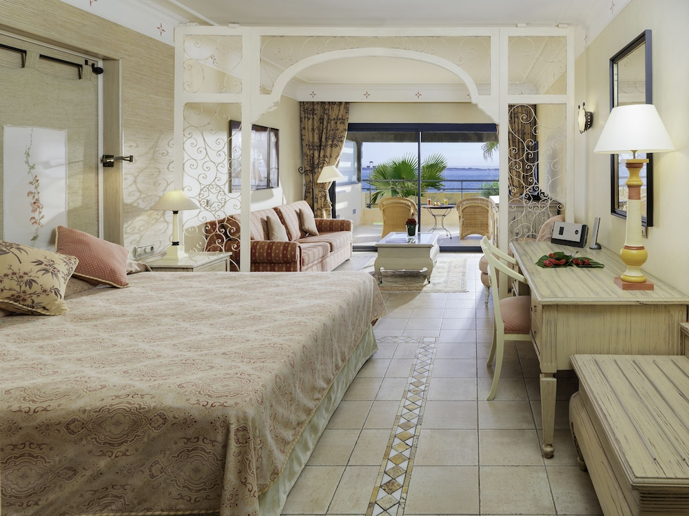 그란 호텔 아틀란티스 바이아 레알 G.L.(Gran Hotel Atlantis Bahia Real G.L.) Hotel Image 14 - Guestroom