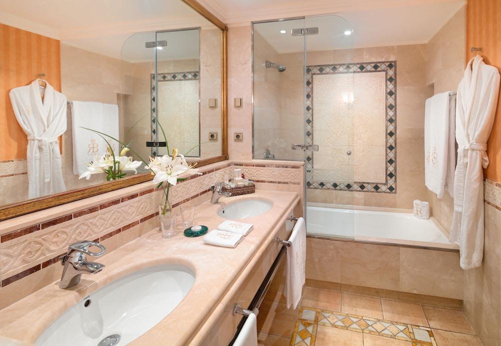 그란 호텔 아틀란티스 바이아 레알 G.L.(Gran Hotel Atlantis Bahia Real G.L.) Hotel Image 31 - Bathroom