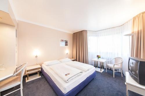 Dusseldorf - Hotel an der Kö Düsseldorf - z Gdańska, 1 kwietnia 2021, 3 noce