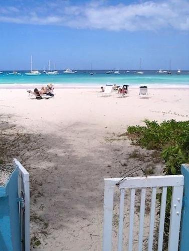 . Nautilus Beach Apartments