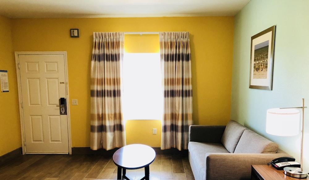 데이스 인 포트 아란사스(Days Inn Port Aransas) Hotel Image 30 - Living Area