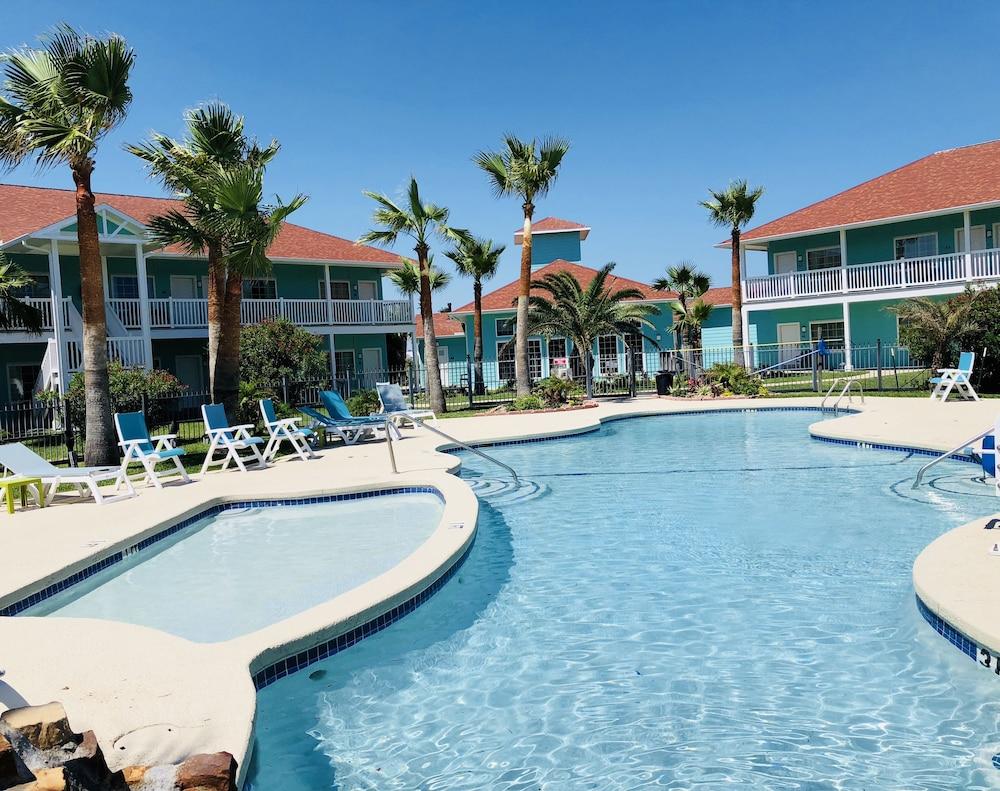 데이즈 인 바이 윈덤 포트 애런사스 텍사스(Days Inn by Wyndham Port Aransas TX) Hotel Image 4 - Pool
