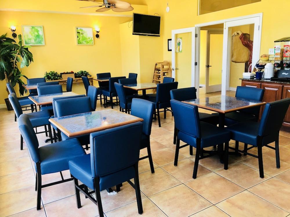 데이즈 인 바이 윈덤 포트 애런사스 텍사스(Days Inn by Wyndham Port Aransas TX) Hotel Image 32 - Breakfast Area