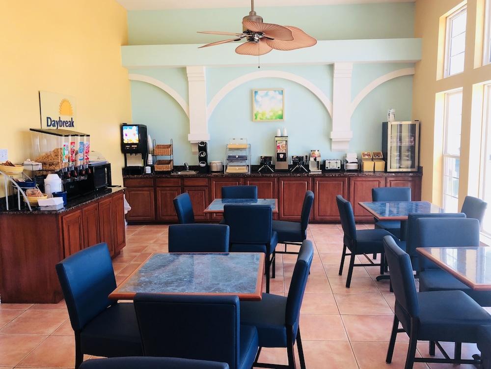 데이즈 인 바이 윈덤 포트 애런사스 텍사스(Days Inn by Wyndham Port Aransas TX) Hotel Image 33 - Breakfast Area