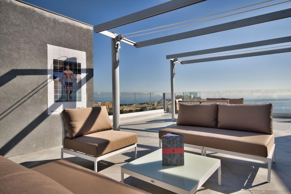 비.호텔(be.HOTEL) Hotel Image 62 - Rooftop Pool