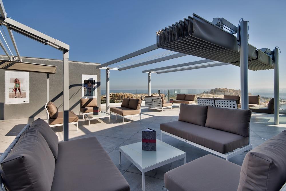 비.호텔(be.HOTEL) Hotel Image 63 - Rooftop Pool