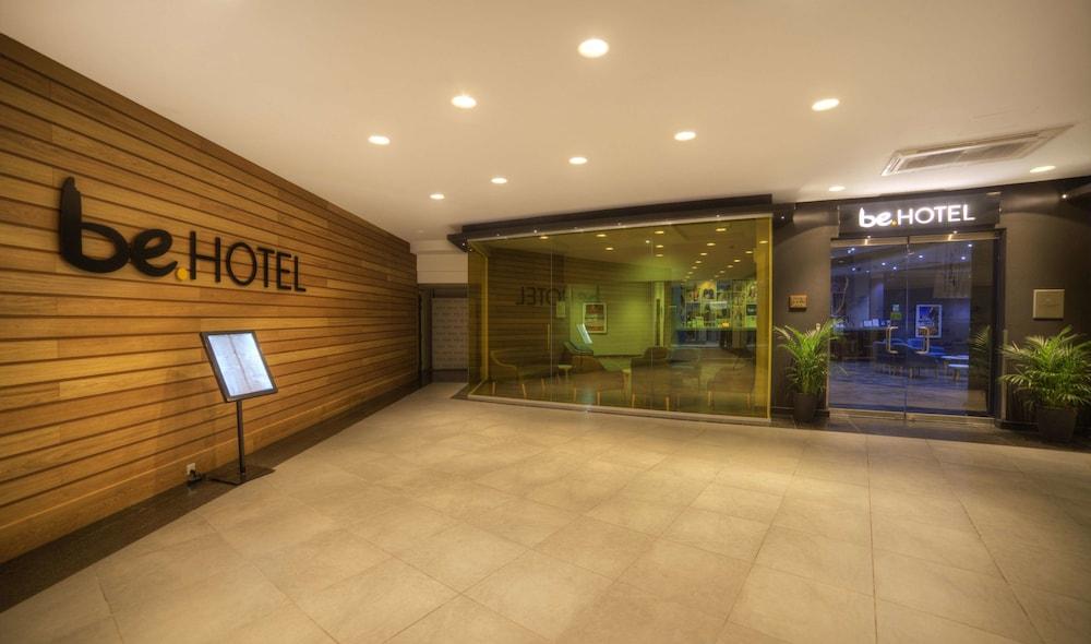 https://i.travelapi.com/hotels/2000000/1280000/1275700/1275646/209bbe09_z.jpg