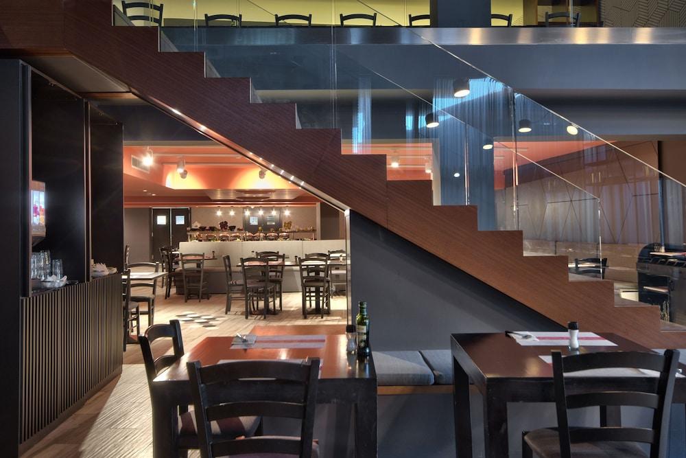 비.호텔(be.HOTEL) Hotel Image 74 - Restaurant
