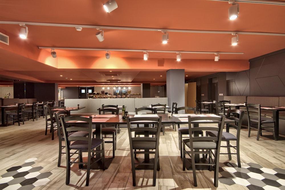 비.호텔(be.HOTEL) Hotel Image 79 - Restaurant