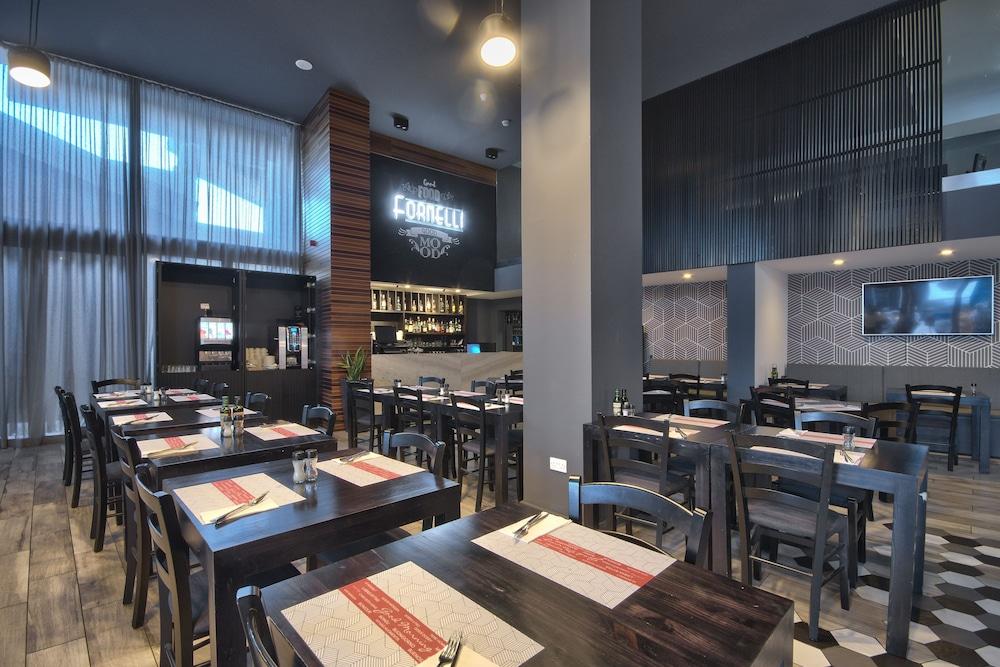 비.호텔(be.HOTEL) Hotel Image 80 - Restaurant