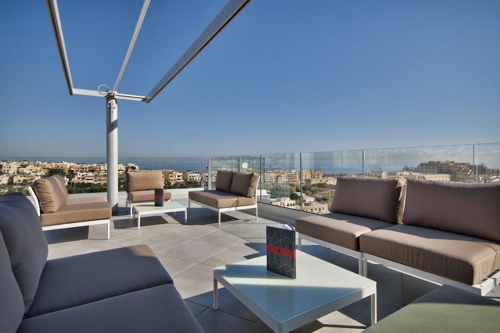 비.호텔(be.HOTEL) Hotel Image 67 - Rooftop Pool