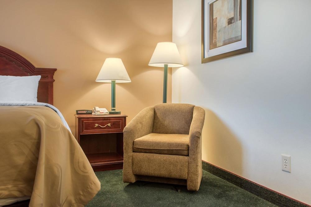 퀄리티 인 헬레나(Quality Inn Helena) Hotel Image 26 - Guestroom