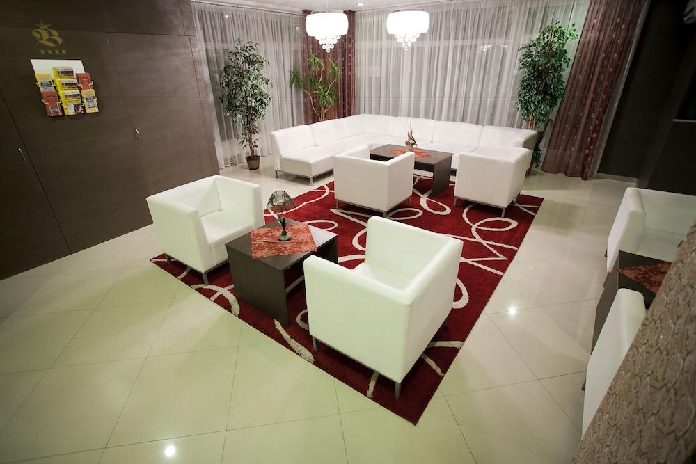 호텔 바론카(Hotel Baronka) Hotel Image 4 - Lobby Sitting Area