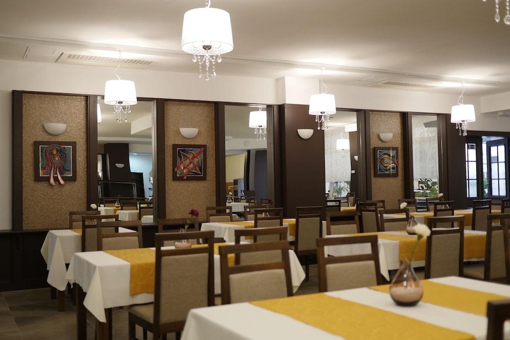 호텔 바론카(Hotel Baronka) Hotel Image 37 - Food Court