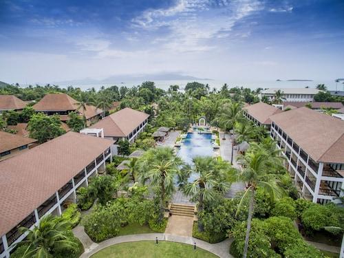 . Bandara Resort & Spa