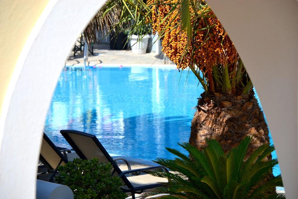 호텔 제피로스(Hotel Zephyros) Hotel Image 69 - Outdoor Pool