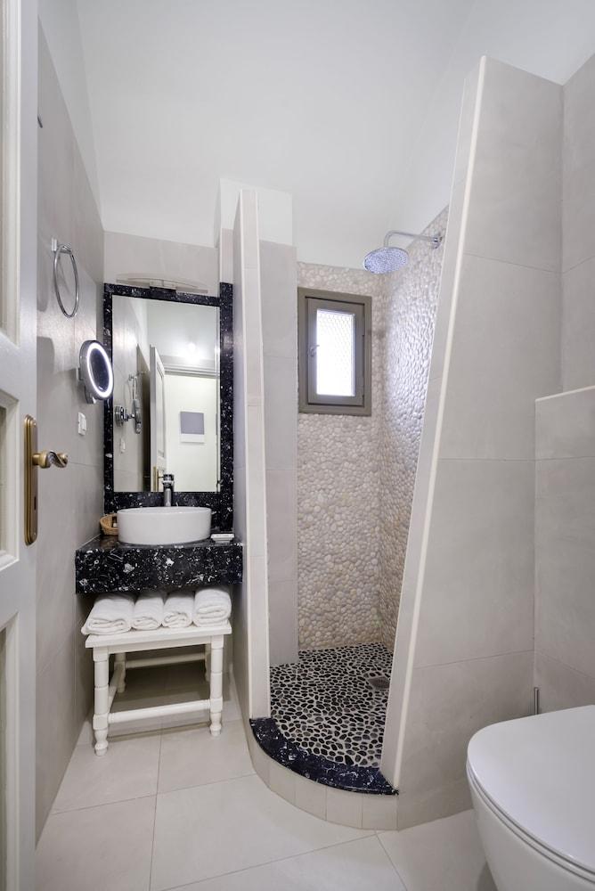 호텔 제피로스(Hotel Zephyros) Hotel Image 46 - Bathroom