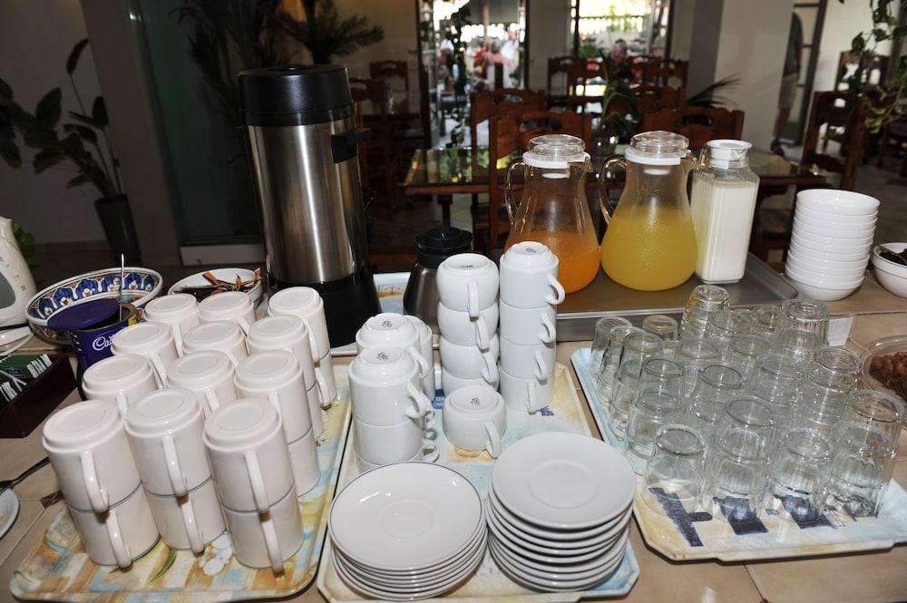 호텔 제피로스(Hotel Zephyros) Hotel Image 74 - Breakfast Area