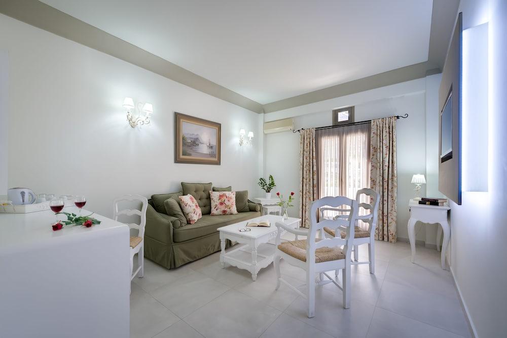 호텔 제피로스(Hotel Zephyros) Hotel Image 38 - Living Area