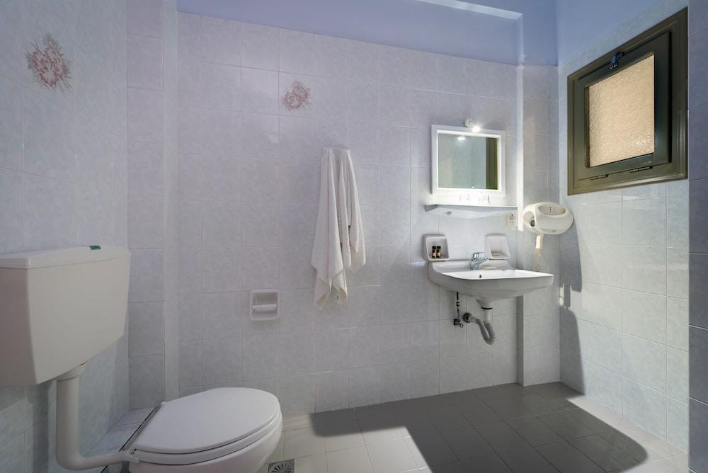 호텔 제피로스(Hotel Zephyros) Hotel Image 50 - Bathroom