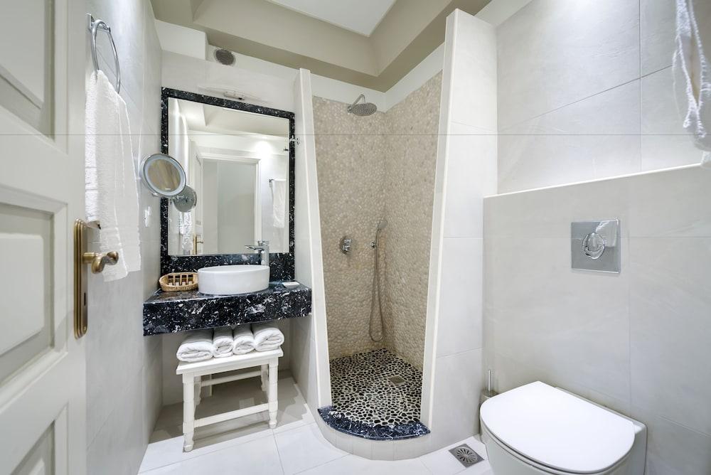 호텔 제피로스(Hotel Zephyros) Hotel Image 51 - Bathroom