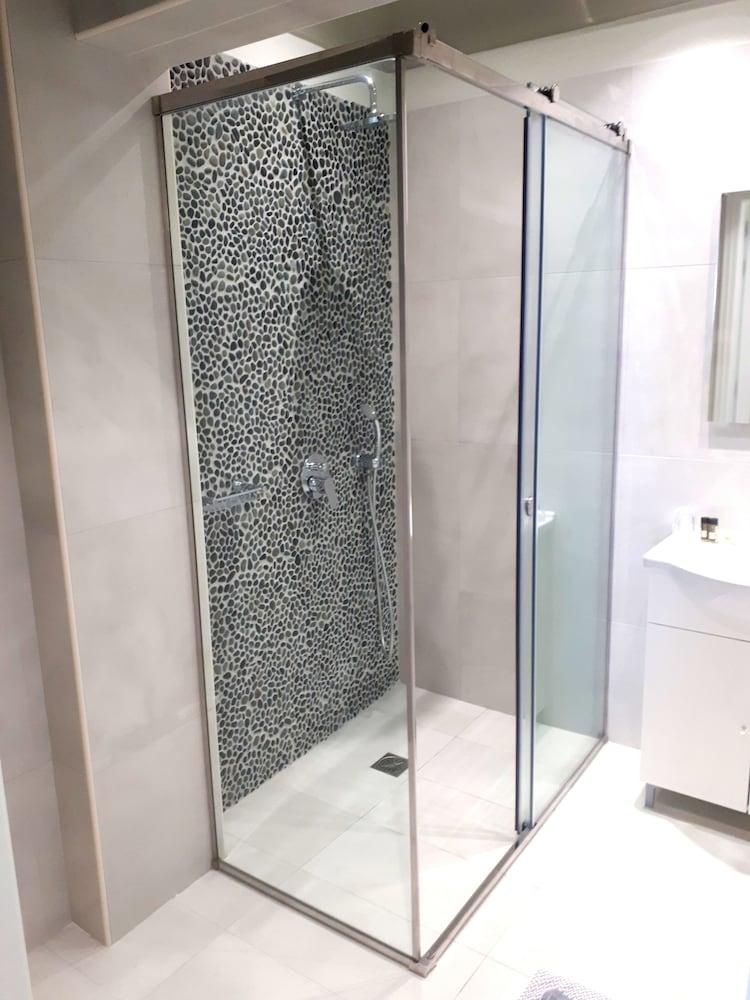 호텔 제피로스(Hotel Zephyros) Hotel Image 53 - Bathroom