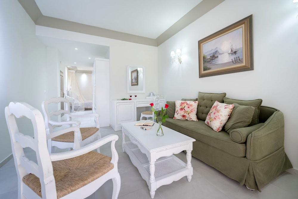 호텔 제피로스(Hotel Zephyros) Hotel Image 39 - Living Area