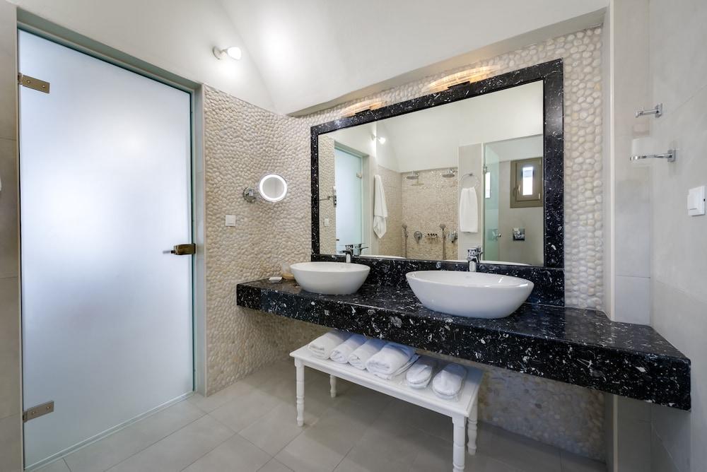 호텔 제피로스(Hotel Zephyros) Hotel Image 52 - Bathroom