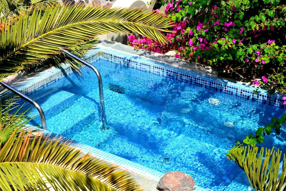 호텔 제피로스(Hotel Zephyros) Hotel Image 58 - Outdoor Pool