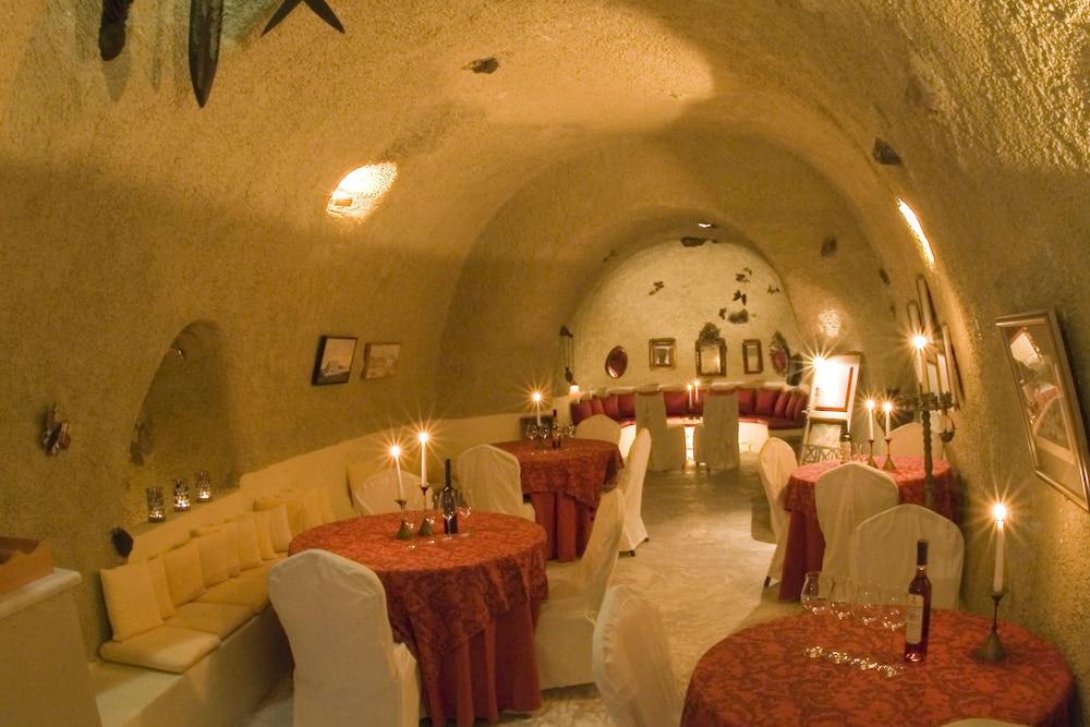 헬리오토포스 호텔(Heliotopos Hotel) Hotel Image 43 - Hotel Bar