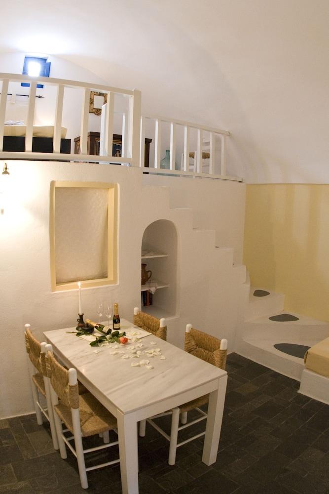 헬리오토포스 호텔(Heliotopos Hotel) Hotel Image 23 - In-Room Dining