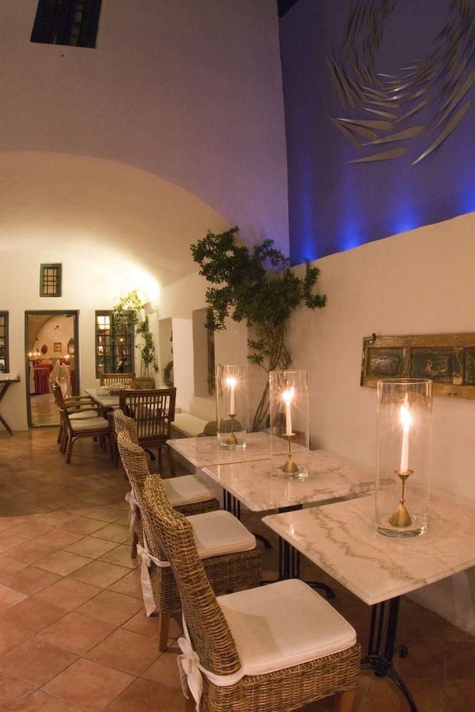 헬리오토포스 호텔(Heliotopos Hotel) Hotel Image 47 - Outdoor Dining