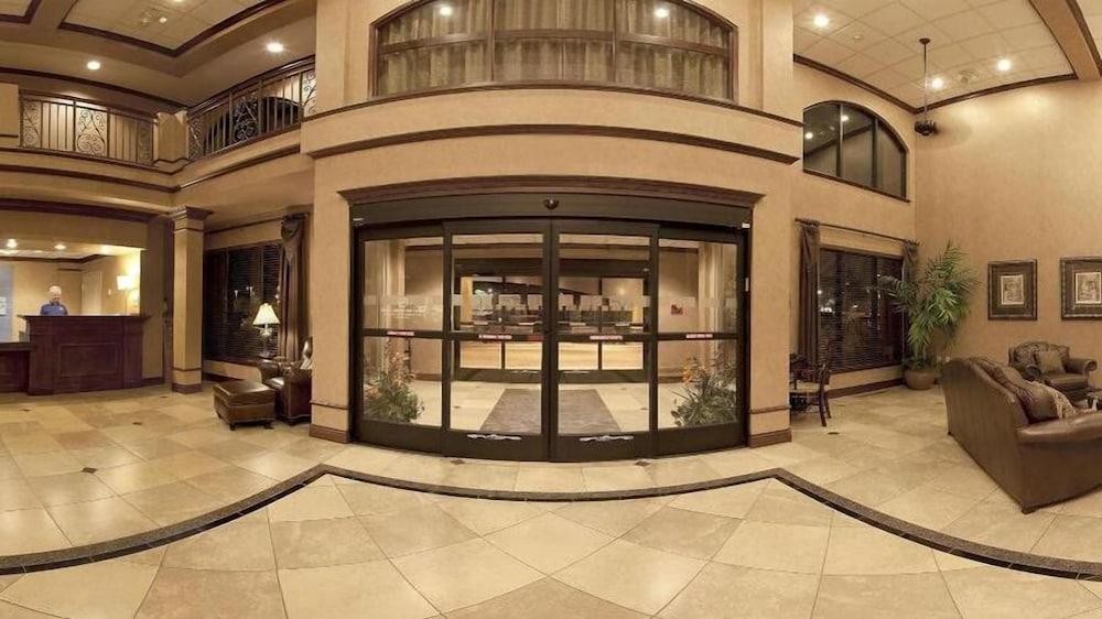홀리데이 인 익스프레스 호텔 & 스위트 케이프 지라도 I-55(Holiday Inn Express Hotel & Suites Cape Girardeau I-55) Hotel Image 16 - Interior Entrance
