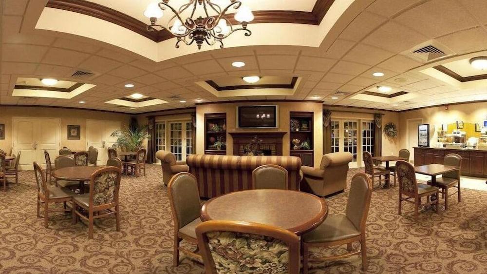 홀리데이 인 익스프레스 호텔 & 스위트 케이프 지라도 I-55(Holiday Inn Express Hotel & Suites Cape Girardeau I-55) Hotel Image 23 - Breakfast Area