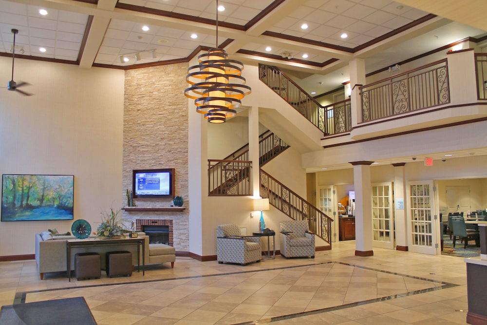 홀리데이 인 익스프레스 호텔 & 스위트 케이프 지라도 I-55(Holiday Inn Express Hotel & Suites Cape Girardeau I-55) Hotel Image 3 - Lobby