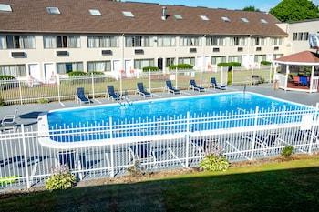 海軍上將套房飯店 Admiralty Inn & Suites