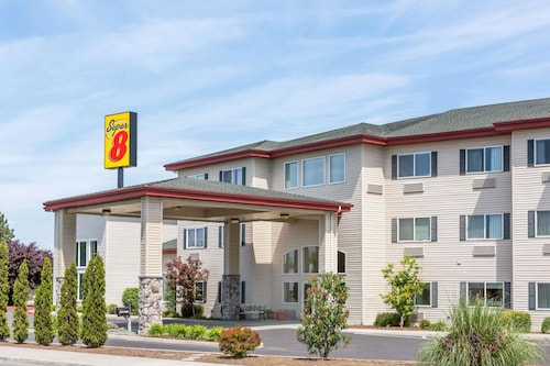__{offers.Best_flights}__ Super 8 by Wyndham Central Pt Medford