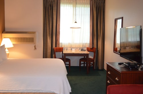 The Ashley Inn & Suites, Lincoln