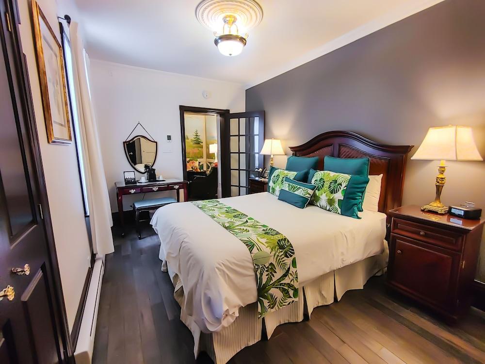 https://i.travelapi.com/hotels/2000000/1290000/1283800/1283753/404b06a7_z.jpg