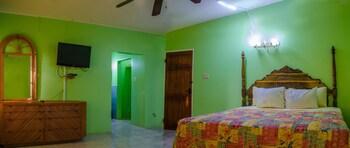 Elite Room, 1 King Bed, Ocean View