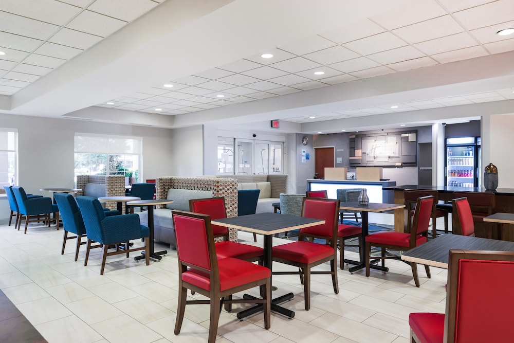 홀리데이 인 익스프레스 개스토니아(Holiday Inn Express Gastonia) Hotel Image 16 - Restaurant