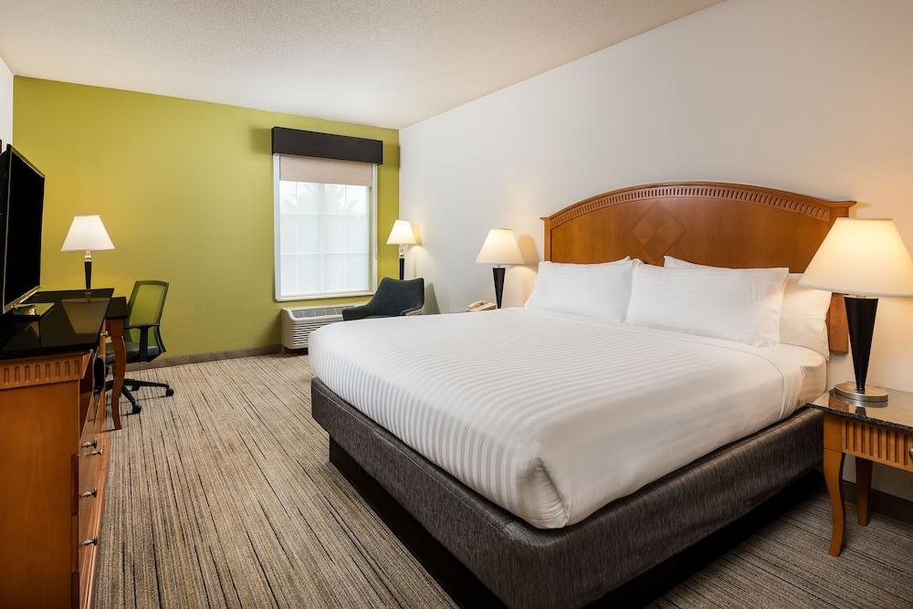홀리데이 인 익스프레스 개스토니아(Holiday Inn Express Gastonia) Hotel Image 10 - Guestroom