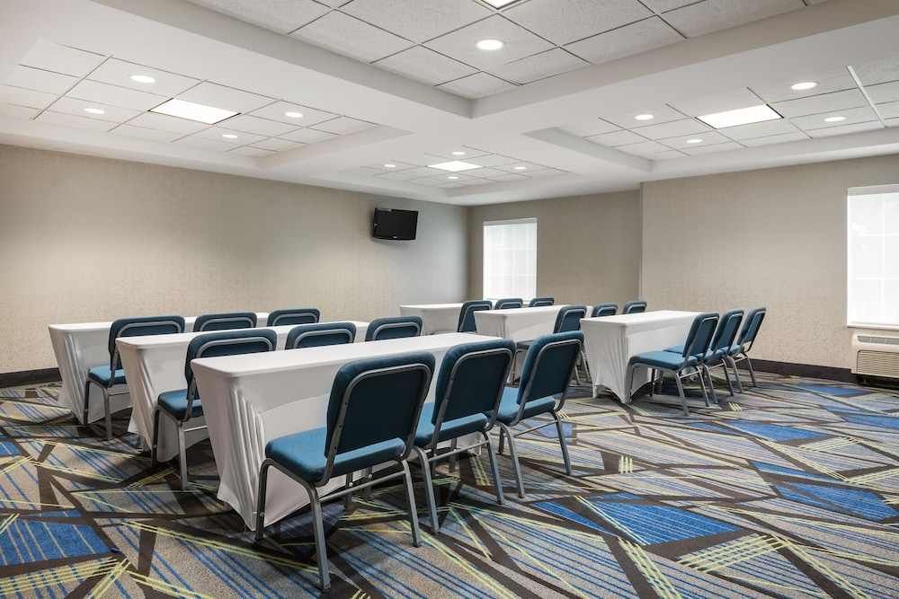 홀리데이 인 익스프레스 개스토니아(Holiday Inn Express Gastonia) Hotel Image 22 - Meeting Facility